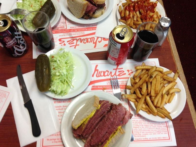 Dimljen meso, najbolj znana jed v Montrealu